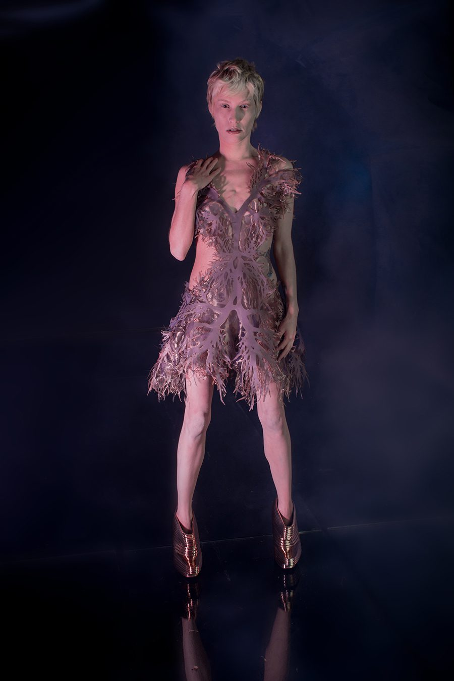 2017_5010-Artist-Designer-Amy-Karle-Model-Ashley-Koser-who-had-a-double-lung-transplant-wears-2nd-Chance-dress-based-on-lungs-from-Internal-Collection-by-Amy-Karle_Photographer-Christyl-O'Flaherty